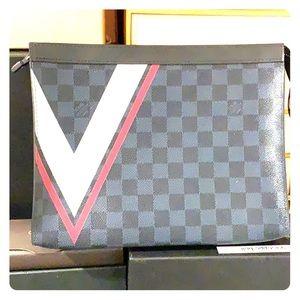 Louis Vuitton pochette voyage Damier cobalt